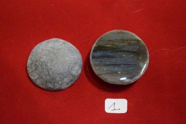 Galet de Labradorite une face polie 1 Chrystina - Boutique Ésotérique