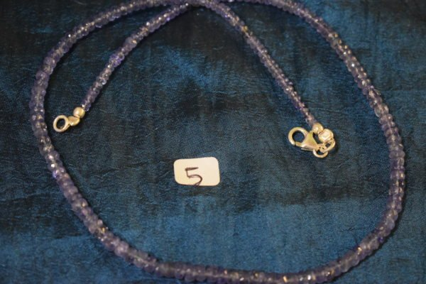 Collier en perles Tanzanite monté avec fils d'argent 5 Chrystina - Boutique Ésotérique